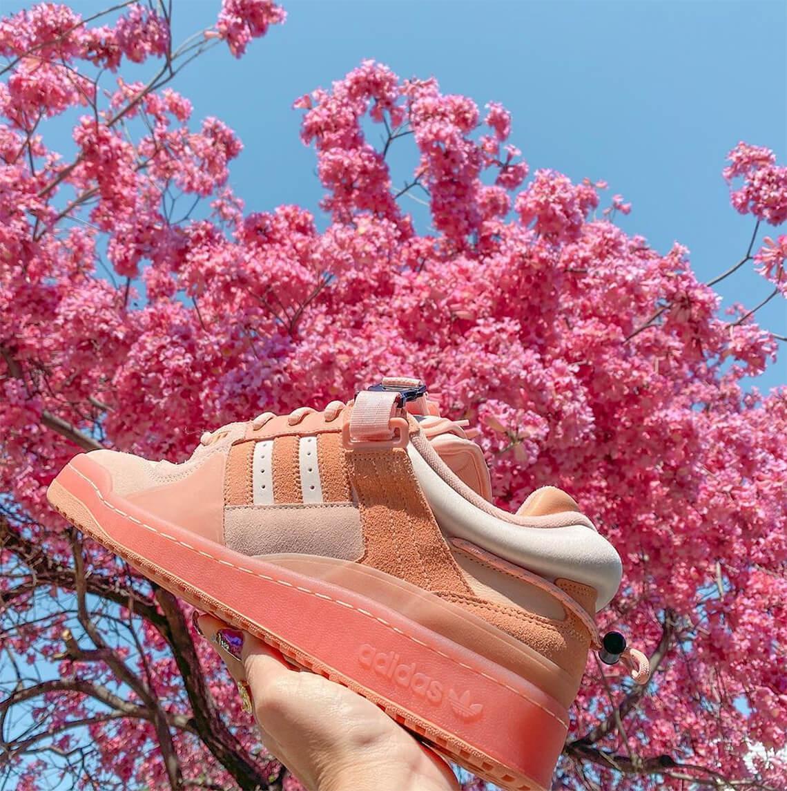 zapatillas Bad Bunny x Adidas Forum Buckle low pink 2021