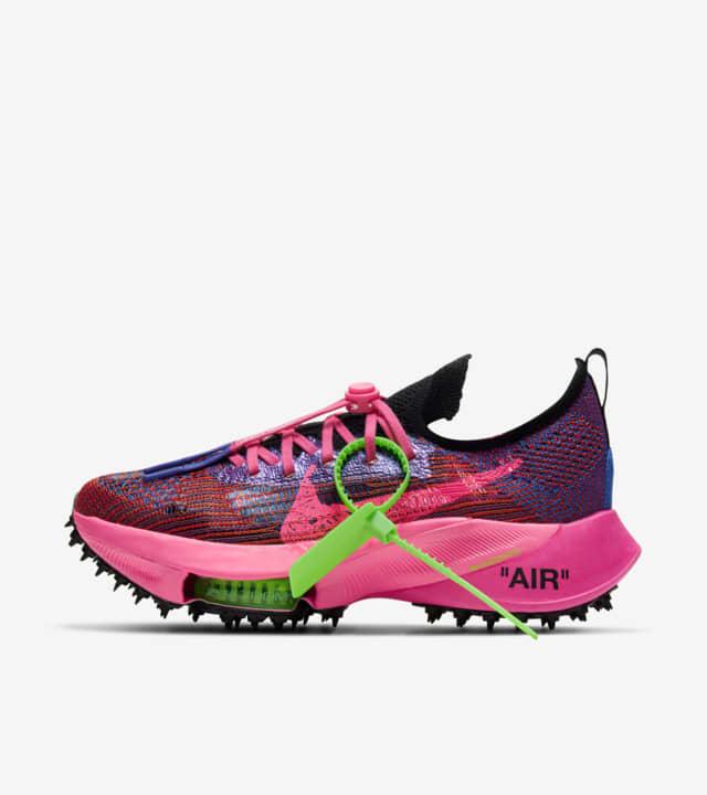 Nuevas zapatillas Nike Air Zoom Tempo NEXT% x Off-White™ Pink Glow y Black 2021