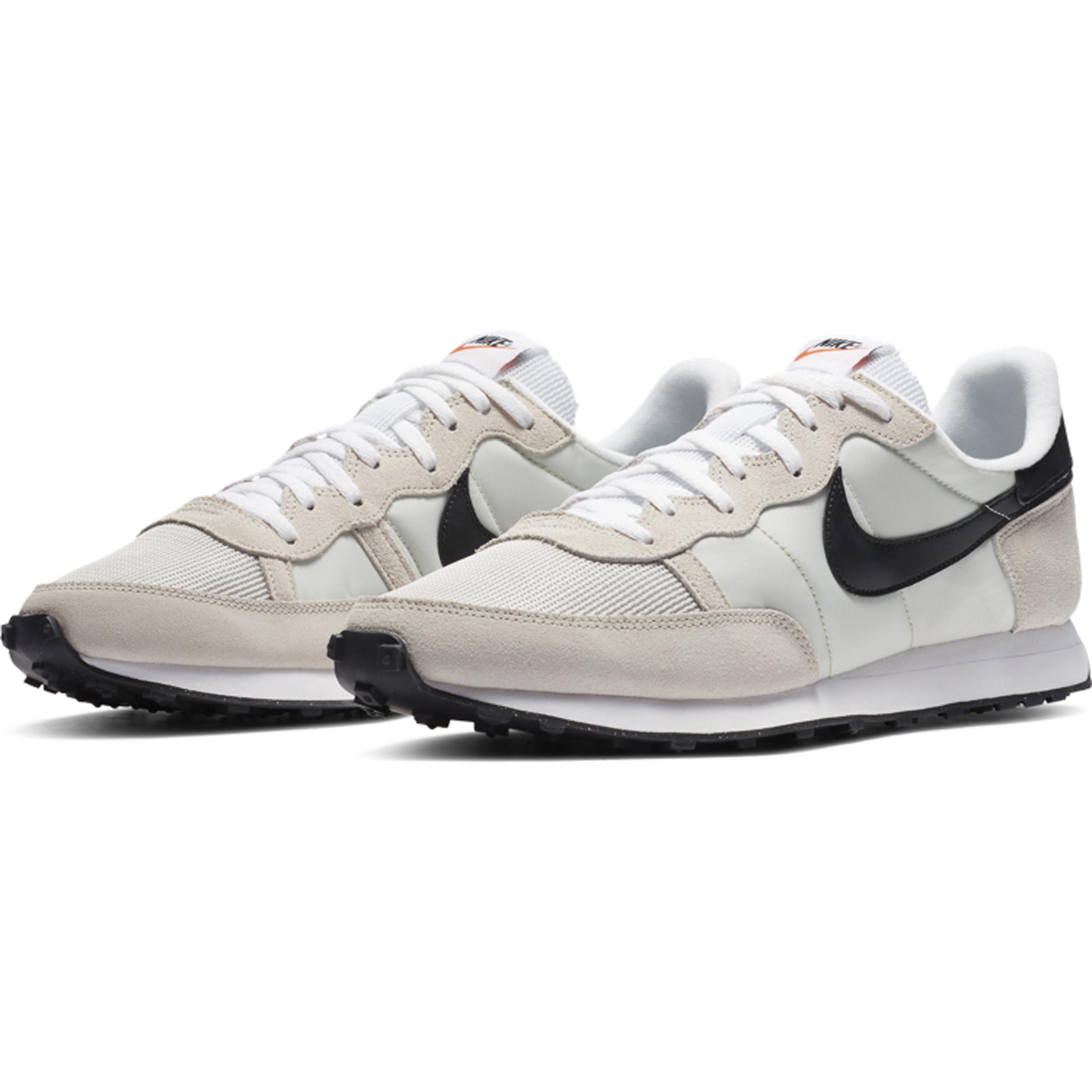 Nike Challenger_Crema